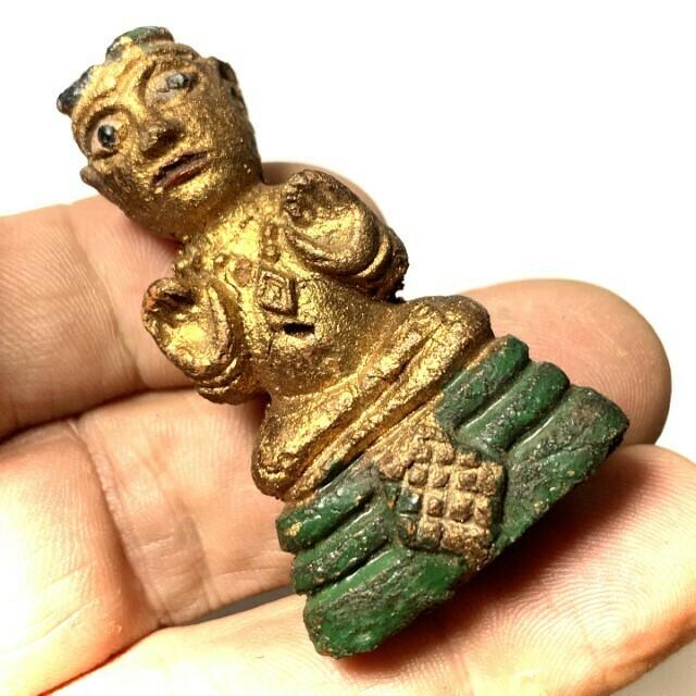 กุมารทอง(ตุ๊กตาทอง) หลวงพ่อเต๋ วัดสามง่าม นครปฐม